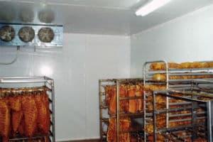 Холодильник для хранения мяса